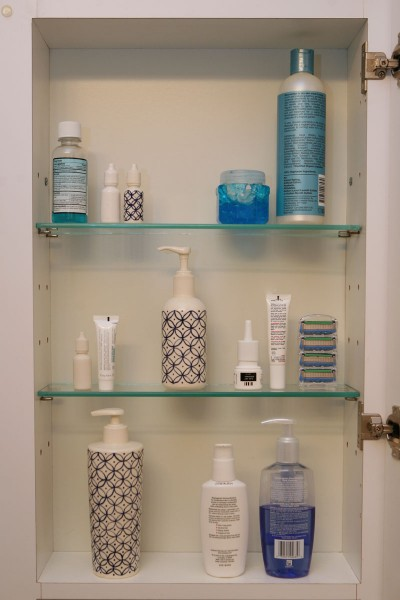 Medicine Cabinet. Installation with ceramic sculpture.
